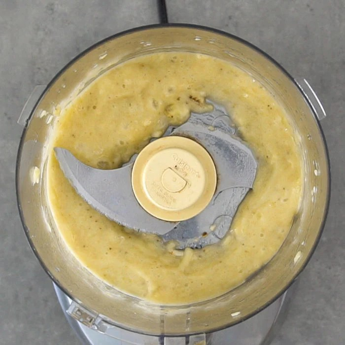 Mashed banana in the food processor