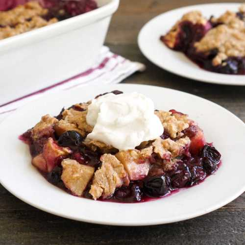 Apple blueberry crisp