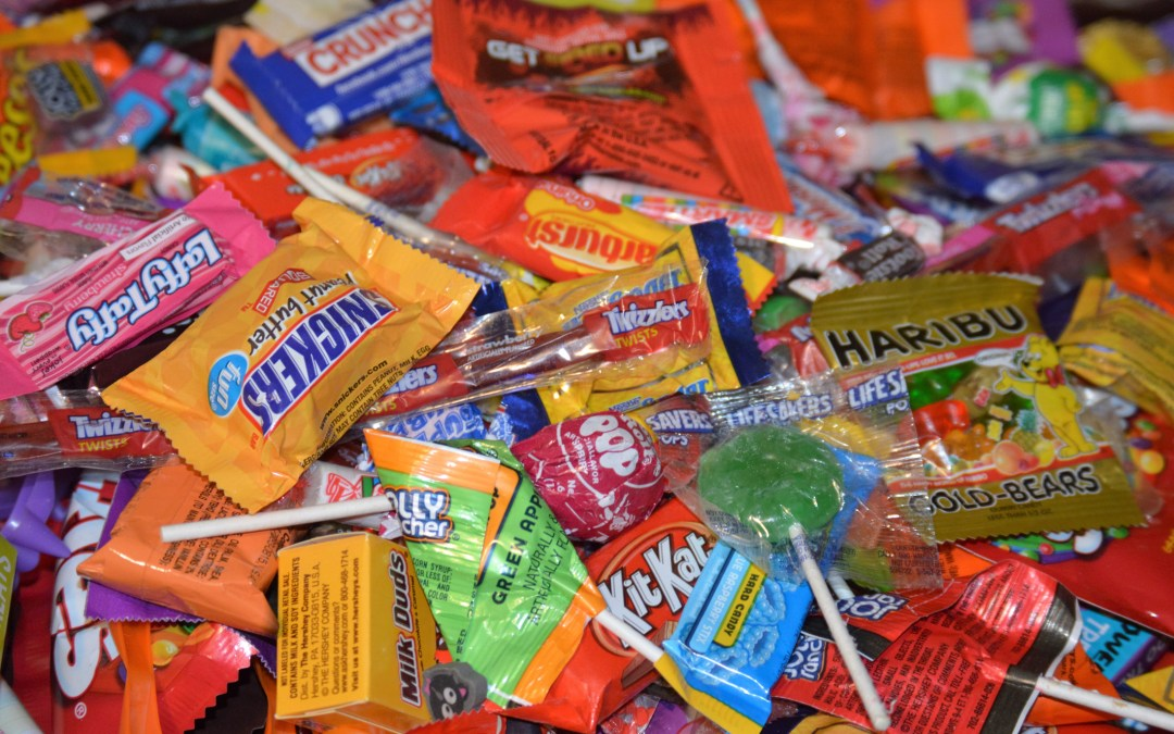 How to Navigate Halloween and ALL.THAT.CANDY!!!