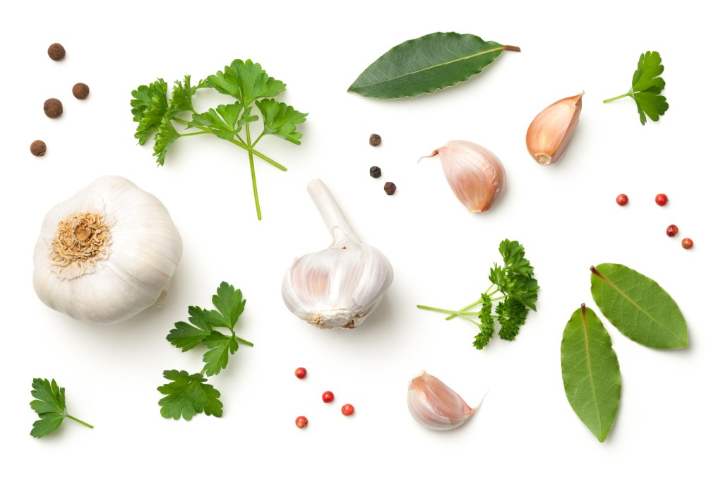 garlic--1024x683 7 Natural Remedies for Winter that Work!