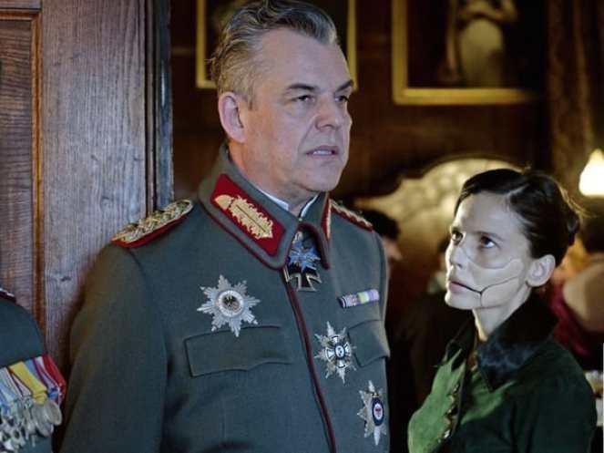 general-ludendorff-and-dr-maru-scheme-in-wonder-woman-credit-warner-bros