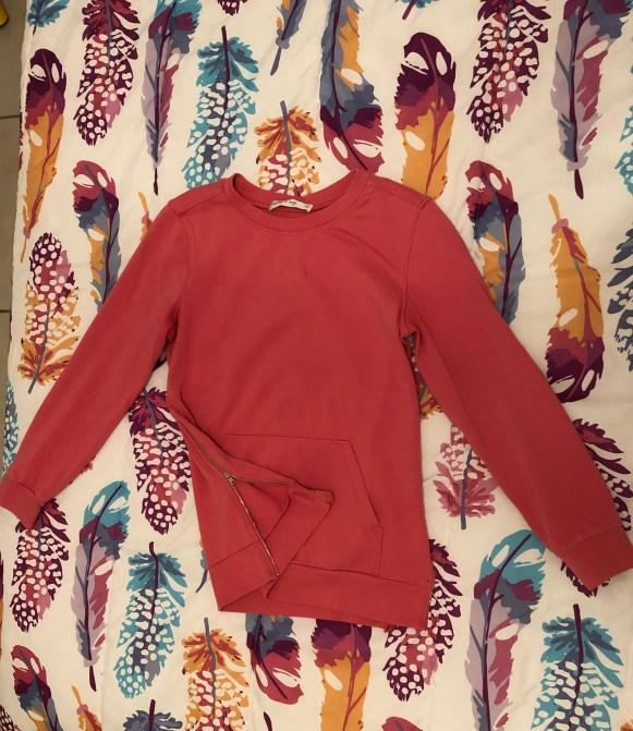 Summer & Sage Side Zipper Sweatshirt Size S