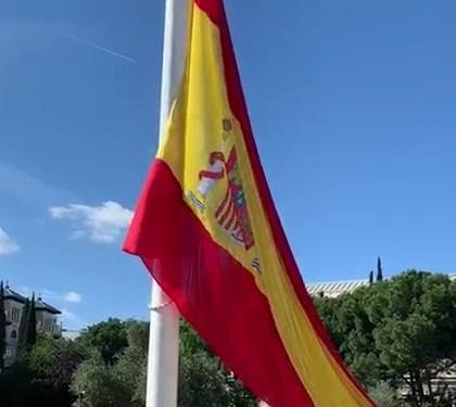6 DIC 2020-IZADO SOLEMNE DE NUESTRA BANDERA EN LA PLAZA DE COLÓN (MADRID)