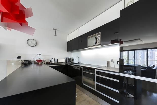 Extravagant Modern Kitchens