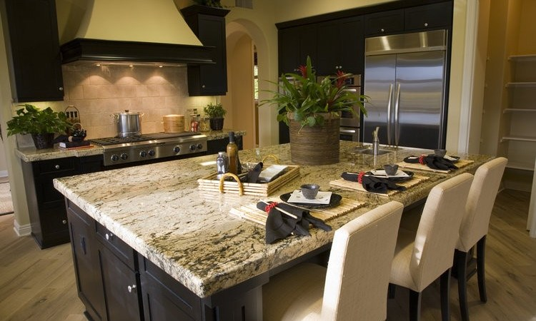 QUARTZ VS. GRANITE: WHICH ONE IS BEST FOR YOUR KITCHEN COUNTERTOP?