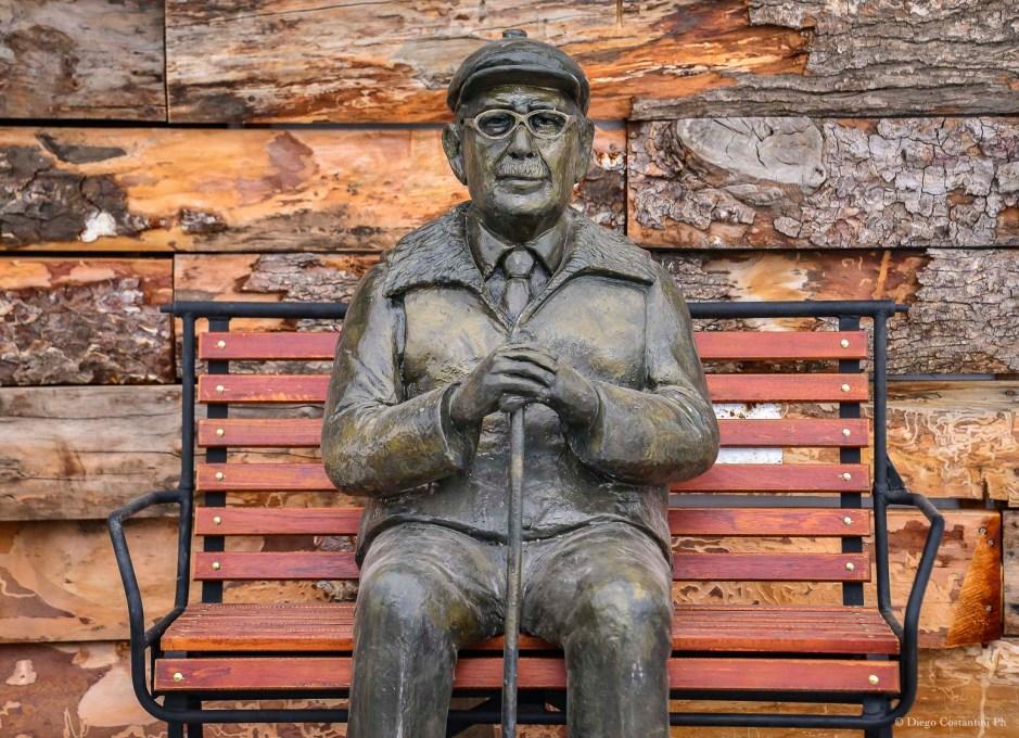 Con una escultura de Américo Astete, Chapelco homenajeó a los pioneros del esquí