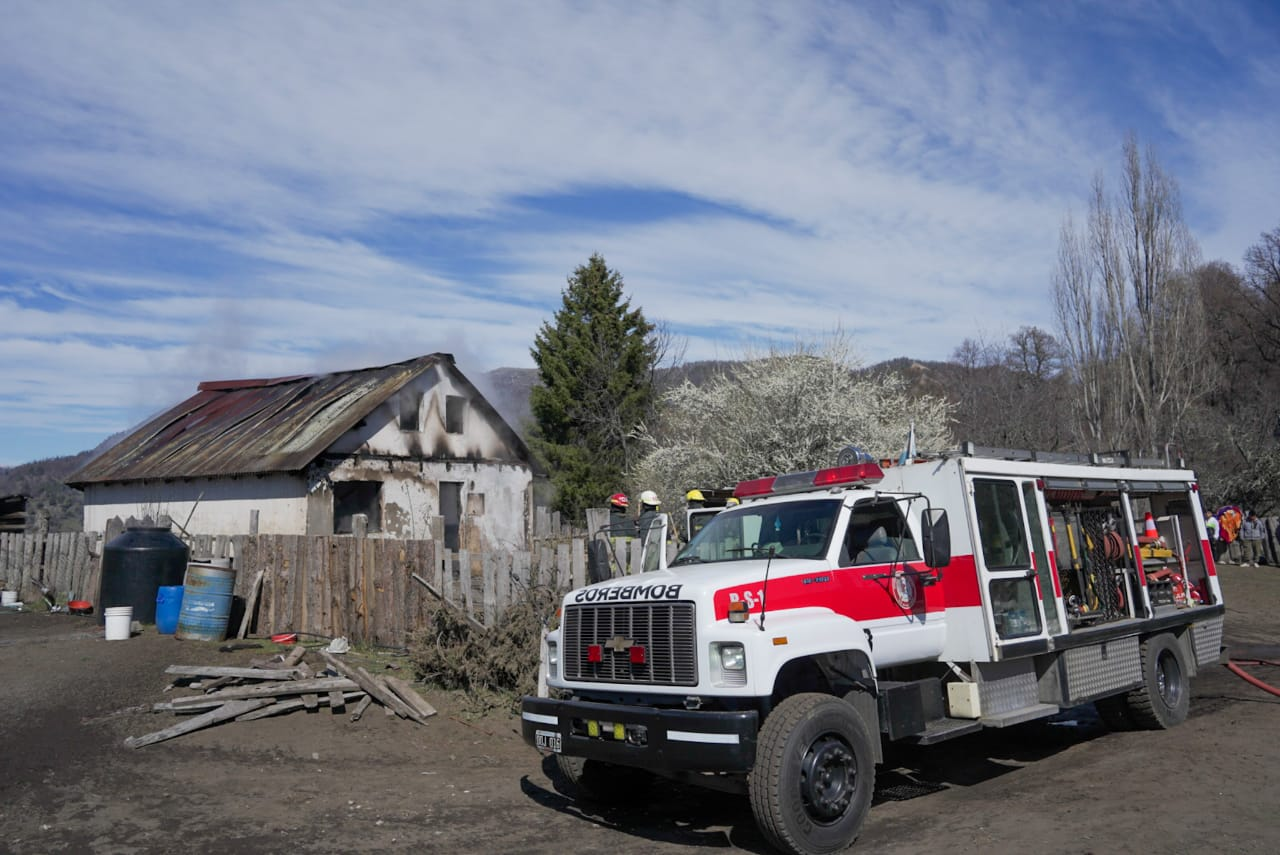 Una familia de Pil Pil perdió todo tras el incendio de su vivienda durante la mañana de este domingo