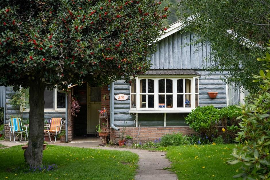 Casas Contadas – Capítulo 25 – Juana Alarcón y la cuestión de saludar a los vecinos
