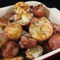 Easy-to-Make Oven-Roasted Red Potatoes