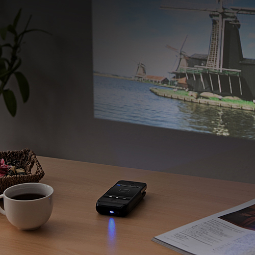 400 prj011 ft2x Mini Projector For Your iPhone 4/4s
