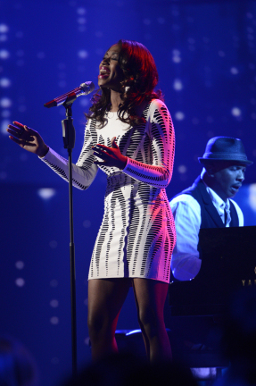 American Idol 2013 Top 8 - Amber Holcomb