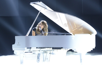 American Idol 2013 Top 6 - Angie Miller