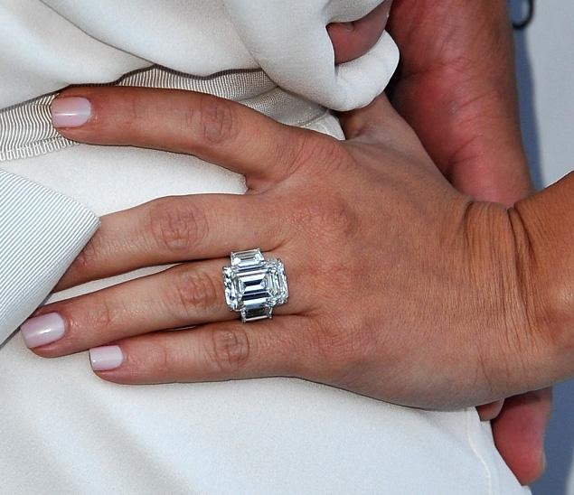 Kim Kardashians Engagement Ring From Kris Humphries Sells