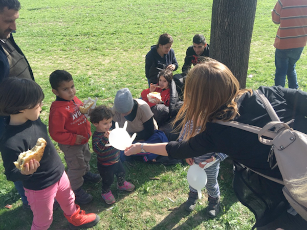 helping the refugee children in serbia