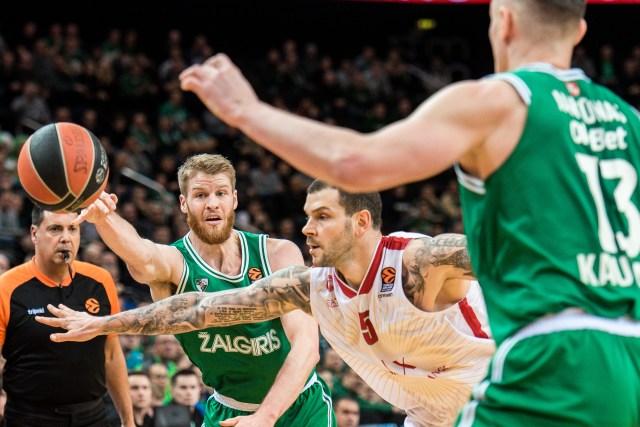 Olimpia, stavolta manca la difesa: lo Zalgiris vince al supplementare