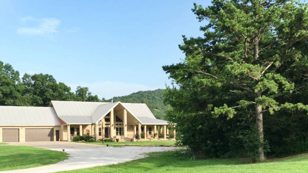 estate on two creeks-62718-home-1