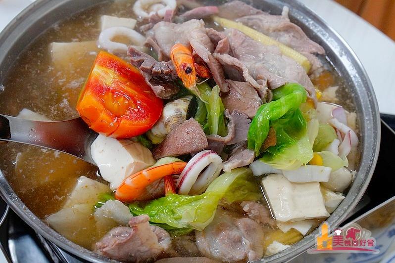 【東港火鍋】新東興豬牛羊肉爐 在地人熱推老店 來東港必吃火鍋