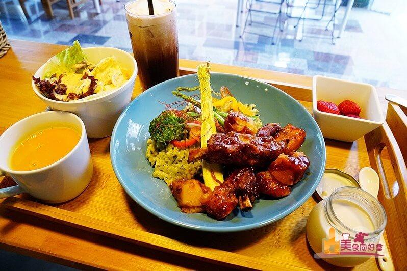 【高雄早午餐】食客表藝食早午餐 迷你早午餐店吃得到BBQ豬肋排