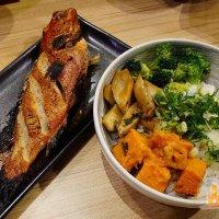 【高雄蓋飯】約尼開動 開放式廚房 週週換菜單 新鮮漁貨料理賞味 隨興蓋飯主題餐廳