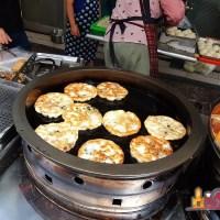 【高雄小吃】鹽埕銅板美食 熱門排隊小吃阿玉水煎包、煎餃、蔥油餅
