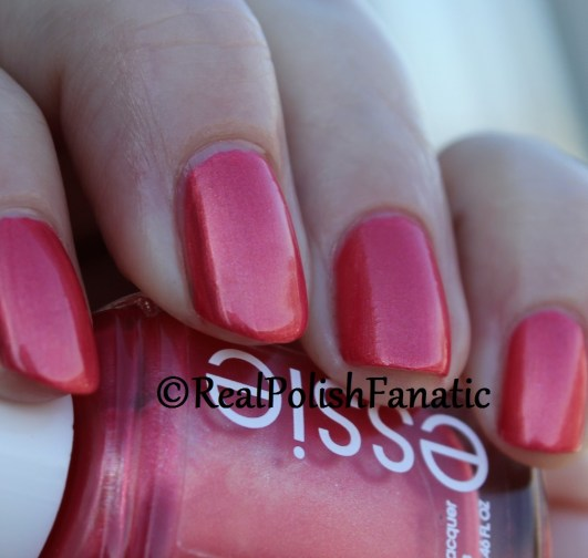 "Essie Summer 2016 Tropical Lights Collection ""Fun Ships"" - Funships"