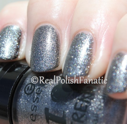 Essence - Rebel At Heart - I ♥ Trends 'The Metals' Collection