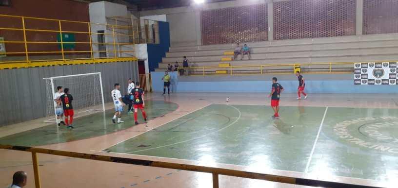 Copa Clube dos 13 de Futsal teve incio na noite de segunda-feira (10)