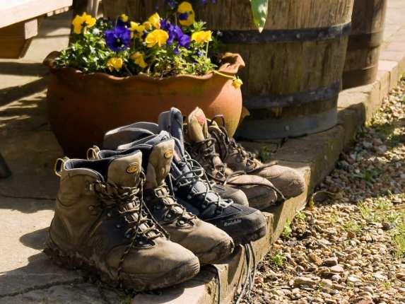 how to clean your walking boots