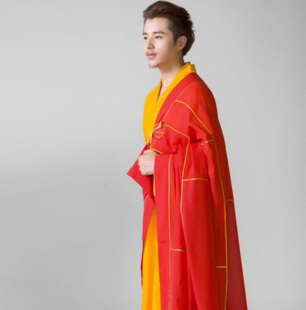 Men's Red and Yellow Style Buddhist Robe 2