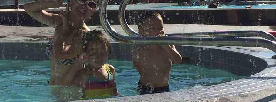 Pool_8066_1920w