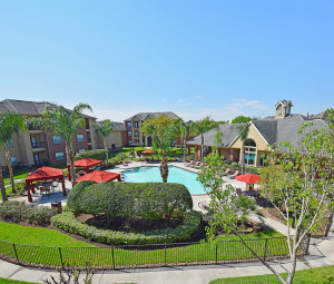 Advenir has purchased the Park Lakes Apartments on Buffalo Speedway, just south of the Astrodome.