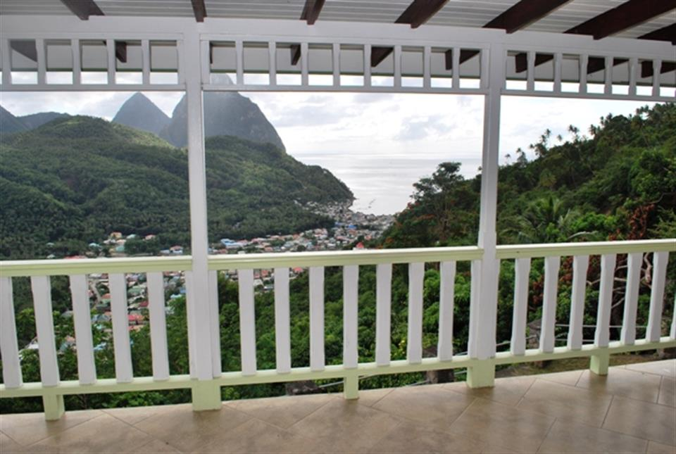 buying property in st lucia