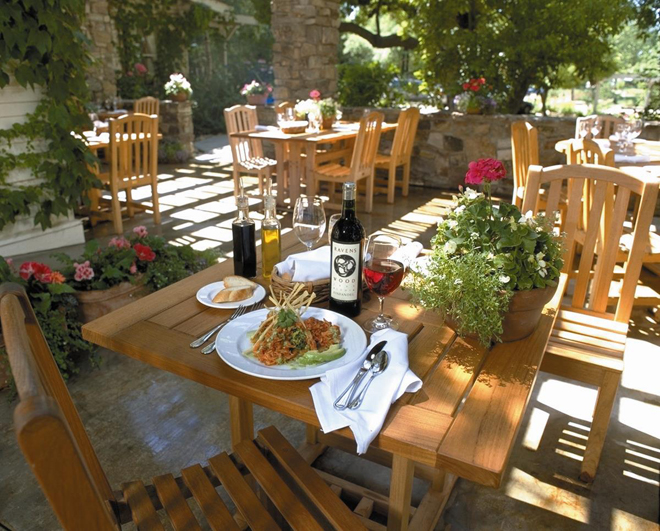 W&R-RestaurantPatio
