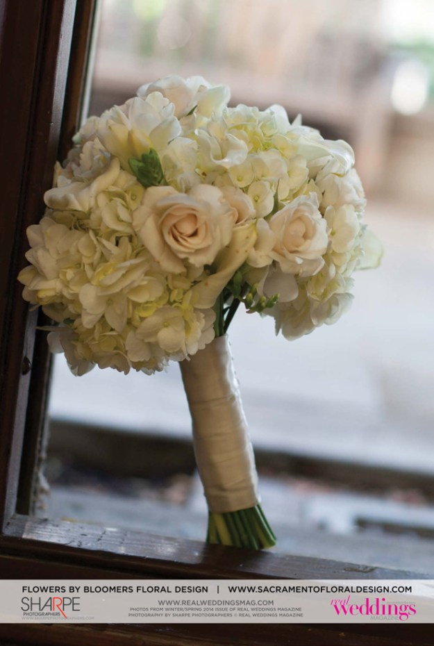 PhotoBySharpePhotographers©RealWeddingsMagazine-CM-WS14-FLOWERS-SPREADS41B