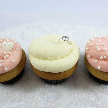 Icing on the Cupcake Roseville Folsom Sacramento Wedding Desserts Real Weddings Magazine