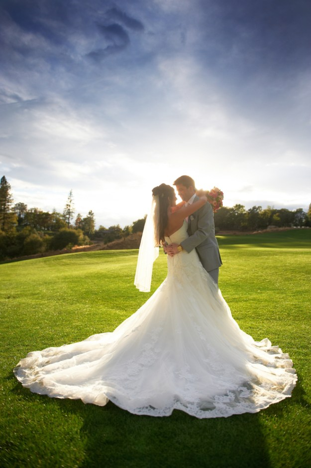 Sacramento Wedding - Janelle & Coleman by Ford Family Photography on www.realweddingsmag.com 15