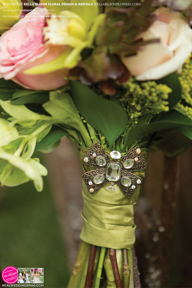 Sacramento_Weddings_RWS_Cover_Model-WS15-BOUQUETS-SINGLE-10