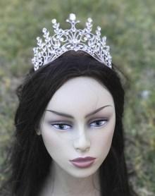 Sacramento Wedding Accessories | Luxurious Bridal | Wedding Veils | Wedding Tiara | Wedding Hair Comb | Wedding Attire