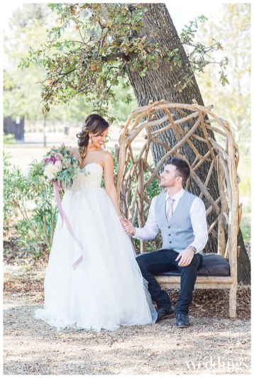 Sacramento Real Weddings Magazine Love Is Magic Styled Shoot in the Winter/Spring 2018 issue. Photography by Rochelle Wilhelms Photography on location at Field & Pond featuring newlyweds Jacqueline and Zach Timberlake.