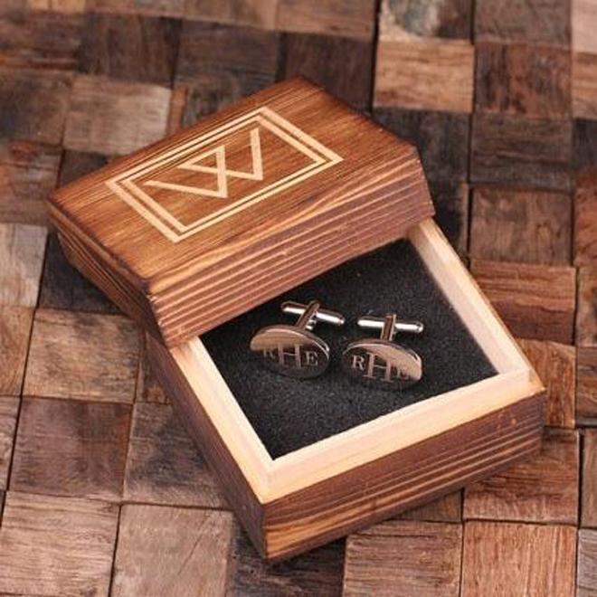 5 Great Groomsmen Gift Ideas | Groovygroomsmengifts.com | Custom Cufflinks | Wedding Registry | Wedding Party Gift Ideas | Bridal Party Gifts | Gifts with Meaning