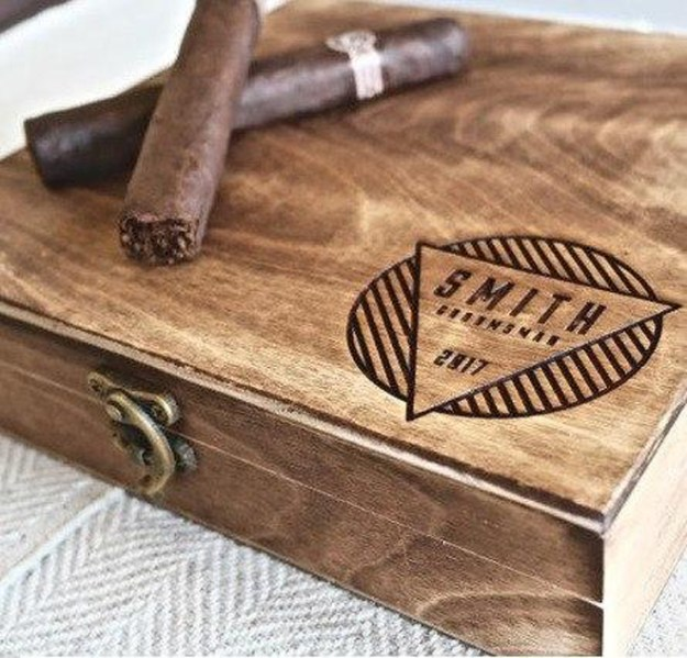 5 Great Groomsmen Gift Ideas | Groovygroomsmengifts.com | Personalized Wallets | Wedding Registry | Wedding Party Gift Ideas | Bridal Party Gifts | Gifts with Meaning