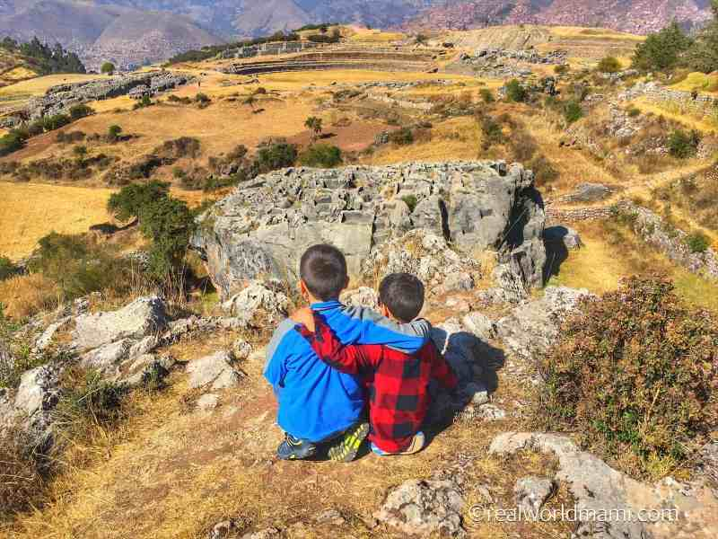 kids in Sachsayhuaman