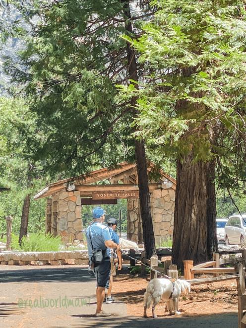 Yosemite Falls entrance