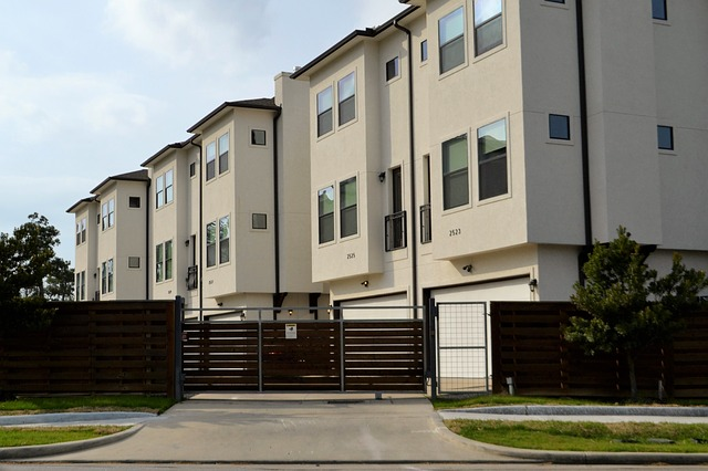 Buying a multi-unit and living in one unit while renting out the other units: