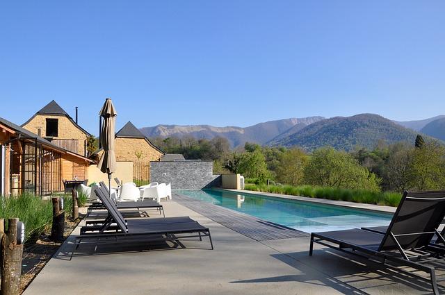 Vacation rental villa property guide