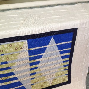 Free Motion Quilting Triangle Convergence Filler