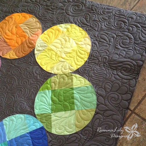 Color Wheel Fan Girl Quilt | Jen Eskridge | ReannaLily Designs | ReannaLily Quilts | Learn to Sew Easy Curves | Graffiti Quilting