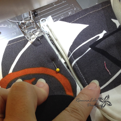 ReannaLily Designs | Insulated Grocery Tote Sewing Tutorial | by Jen Esrkidge