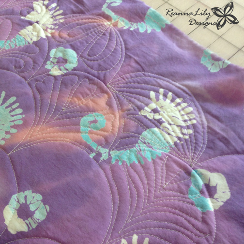 The Quilted Clamshell | Jen Eskridge | ReannaLily Designs | ReannaLily Quilts | Free Motion Quilting on a Home Sewing Machine