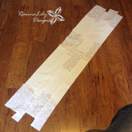 Snowman Table Runner | Jen Eskridge | ReannaLily Designs | Free Pattern